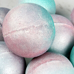 Iridescent Pearl Bath Bomb Project