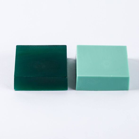 Emerald Lab Color - small