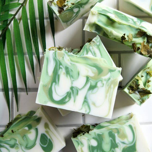 Lime Swirl Soap Project