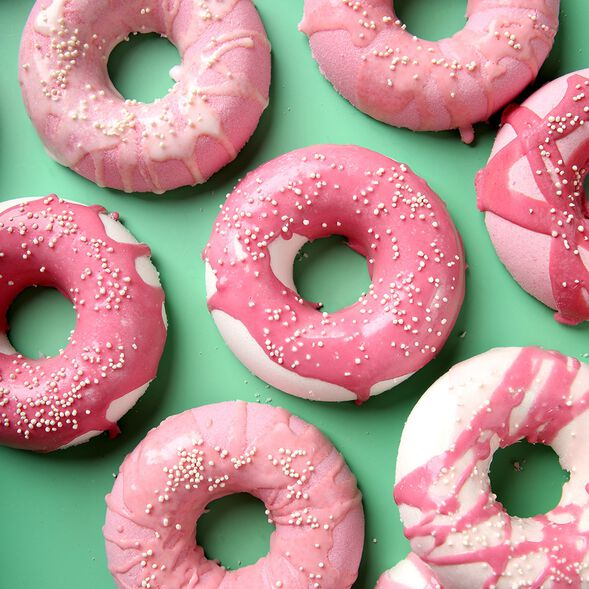 Raspberry Donut Bath Bomb Kit