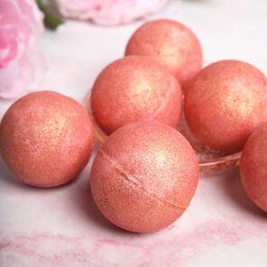 Rose Gold Bath Bomb Kit