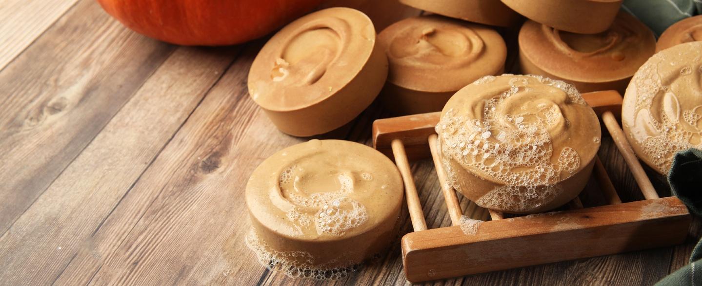 pumpkin and buttermilk cold process soap project