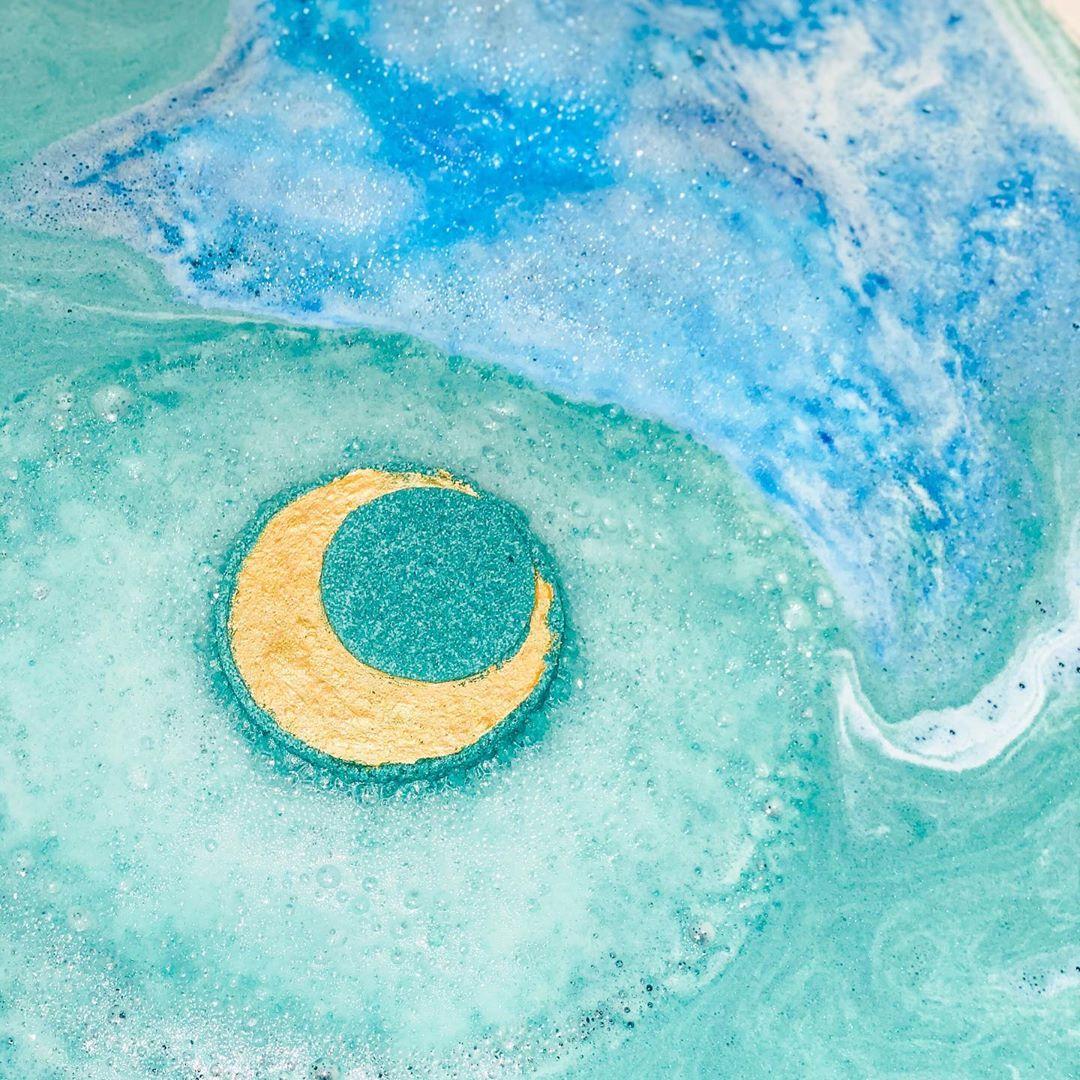 moon bath bomb by moon love bath