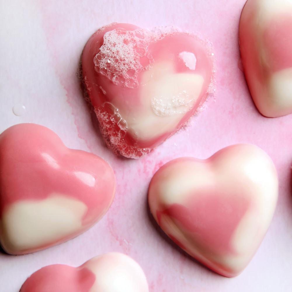 swirled heart soap kit | bramble berry