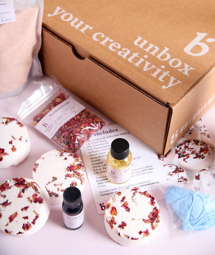 natural bath bomb kit from bramble berry
