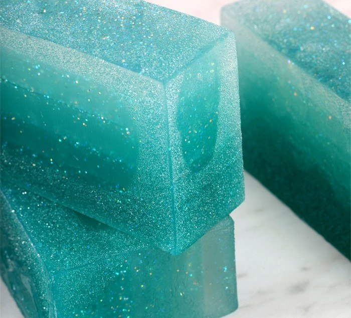 glycerin dew on melt and pour soap