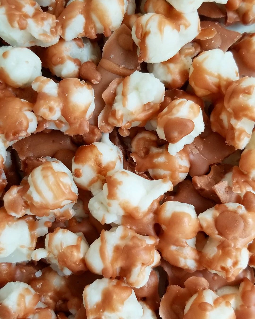 caramel popcorn wax melts by butter me soft