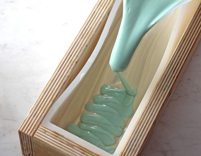 medium trace in cold process soap | bramble berry