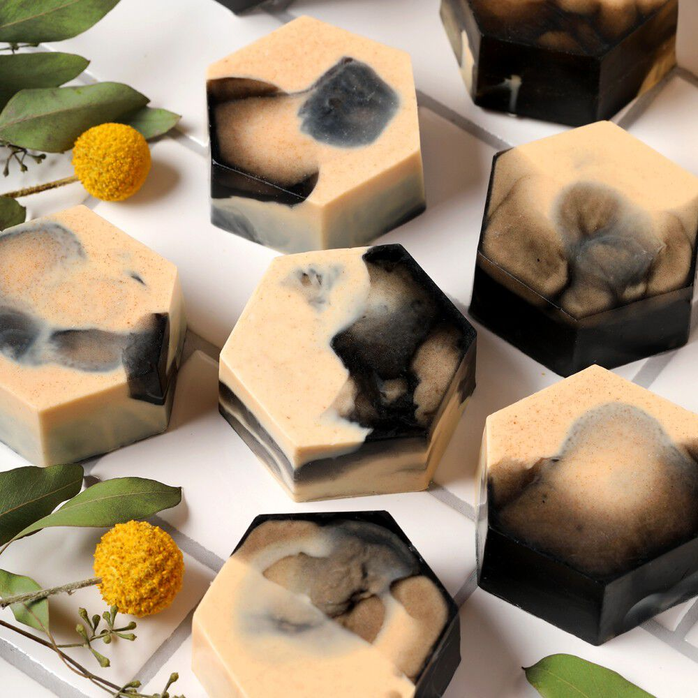 marbled lemon melt and pour soap | bramble berry
