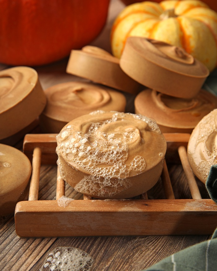 Pumpkin and Buttermilk Soap Project | Bramble Berry